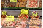 In den Orten entlang der Küste sind überall leckere Meeresfrüchte zu haben.