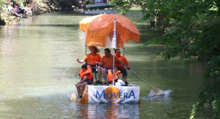 """Beim 8. Wangener """"D' Arge nab""""-Spaßbootrennen gingen 26 Spaß- und Schlauchrennboote samt einem Movera-Boot an den Start."""