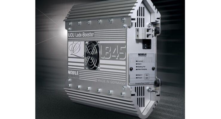 Der IUOU-Lade-Booster von Büttner Elektronik wird einfach in die Ladeleitung zur Bordbatterie geschaltet.