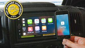 Der Media Receiver von Sony kann mit dem Smartphone verbunden werden. Dann kann man auf alle Medieninhalte des Handys zugreifen oder desen Kartendienst nutzen.