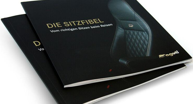 Die Aguti-Broschüre informiert in vier Sprachen zum Thema Sitzen. Es erläutert auch gesundheitliche Aspekte