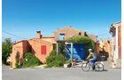 """Dorf Fassan am Radweg """"Aux portes du Ventoux"""""""