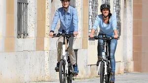 E-Bike-Fahrer in der Stadt