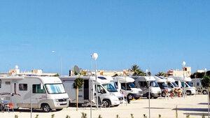El Campello: große Plätze, gut ausgestattet und ganz nah am Strand.