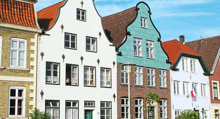 GLÜCKSTADT Mit seinen 12 000 Einwohnern ist dieser Ort schon wegen des hübsch umbauten Marktplatzes ein architektonisches Kleinod