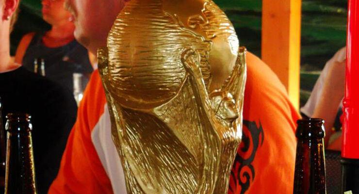 Gäste, die während der Fußballweltmeisterschaft im Taunus Camp in Hessen Urlaub machen, müssen nicht auf die Vorrundenspiele der Deutschen verzichten. Die Spiele werden auf einer Leinwand übertragen.
