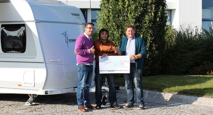 Im Rahmen des Familientages 2013 hat der Betriebsrat der Fendt-Caravan GmbH eine Fotoaktion durchgeführt. Erlös: 400 Euro.