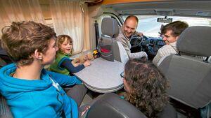In diesem Globecar Revolution wurde ein fünfter Sitzplatz nachgerüstet.