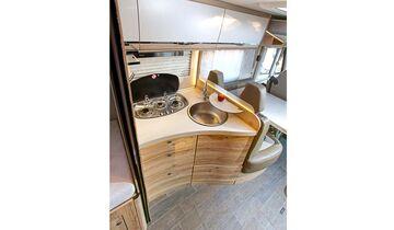 Küche im Eura Mobil Integra Line 730 EB