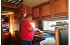 Sonja in Küche