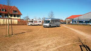 Stellplatz vor Lebensmittel-Discounter in Grasberg