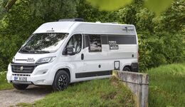 Van-Tourer Black & White