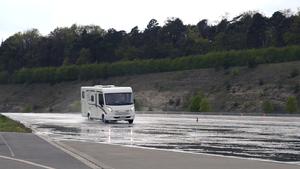 promobil testet das Elektronische Stabilitäts-Programm (ESP) eines Reisemobils. Was ist ESP und wie viel Sicherheit bringt es?