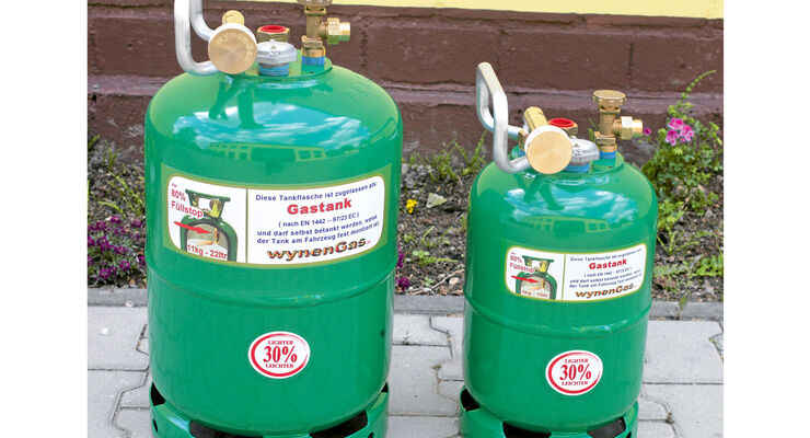 zwei Tankflaschen